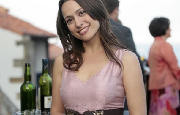 Natalia Verbeke durante el rodaje de 'Doctor Mateo' en Lastres. Foto: marinoscandurra