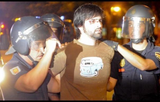 manifestacion contra desalojo puerta del sol . desalojo indignados 15m. madrid. madrid. espana. 2011-01-04. fotografo gonzalo arroyo