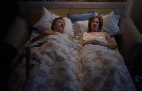 vive cantando cama