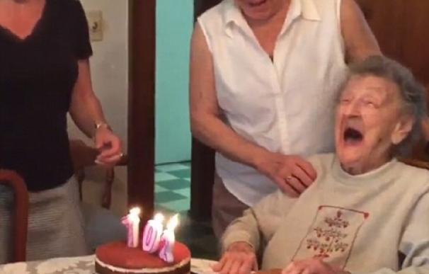 abuela pierde la dentadura postiza