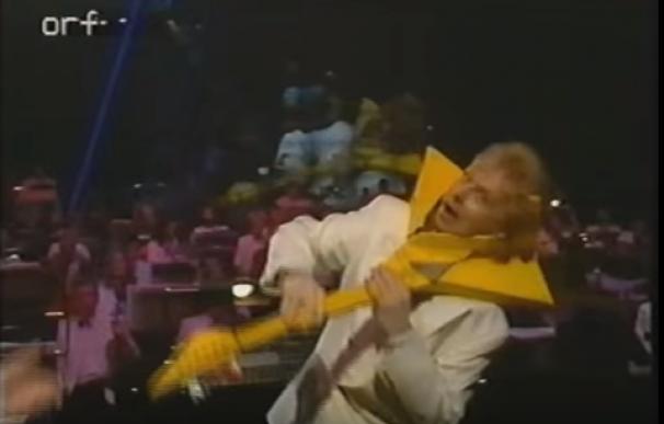 eurovision guitarra estampada en cabeza