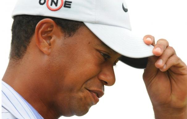 Tiger Woods resulta gravemente herido en un accidente de automóvil