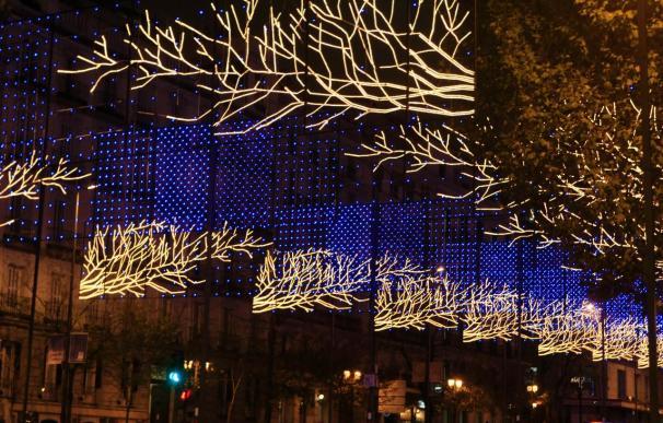 Madrid brilla ya con luz de Navidad