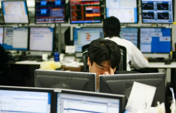 El Nikkei cae el 3,21 por ciento hasta los 9.081,52 enteros
