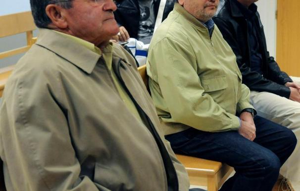 El juez impone cárcel e inhabilitación a los 2 ex alcaldes y ordena el derribo del edificio