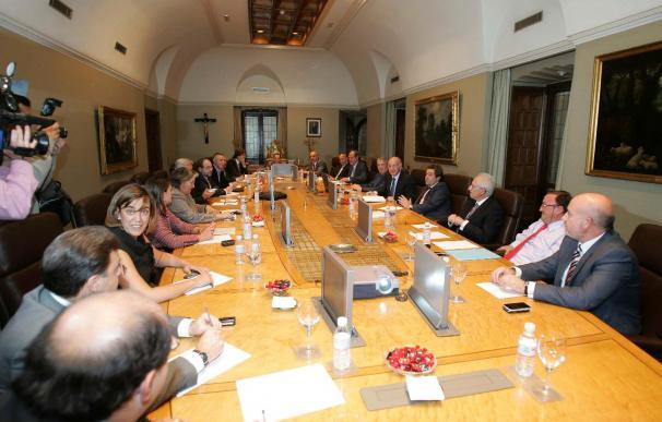 Caja Duero y Caja España mantienen una reunión sobre la fusión con el Banco de España