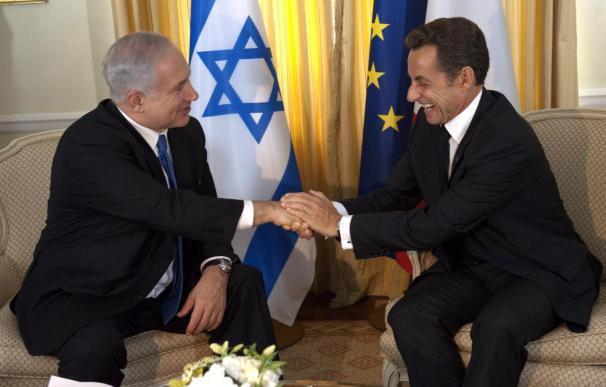 Sarkozy recibe a Netanyahu para abordar el relanzamiento del proceso de paz