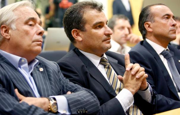 El vicepresidente Joan Franquesa presenta la dimisión