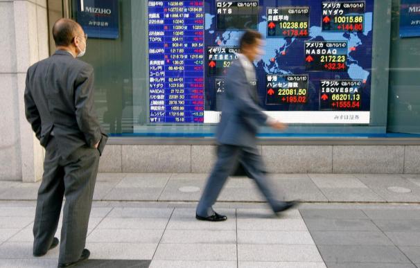 El índice Nikkei sube 46,38 puntos, el 0,46 por ciento, hasta 9.917,11 puntos