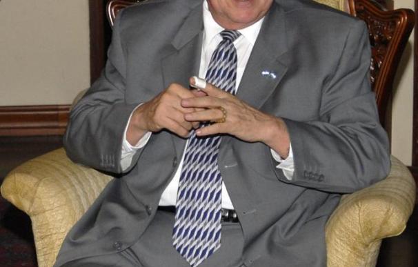 Enrique Iglesias pide elecciones legítimas para superar la crisis en Honduras