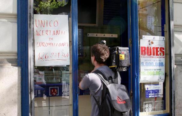 Los vendedores dicen que la nueva ley abre la puerta a privatizar la Lotería