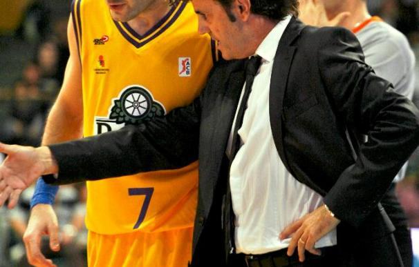Blancos de Rueda recibe el apoyo de su patrocinador antes del partido ante el Granada