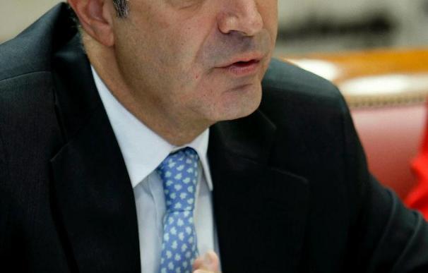 Fernández dimite por razones personales y agradece el esfuerzo de los trabajadores