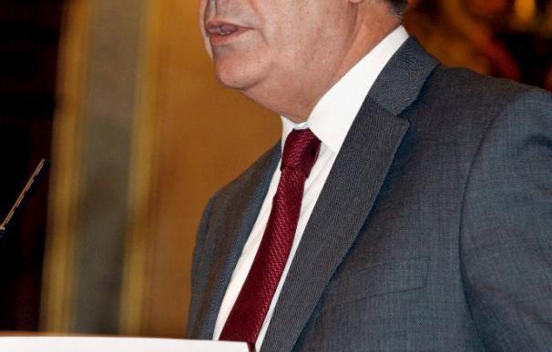Corbacho dice que los presupuestos son para que los parados no queden desamparados