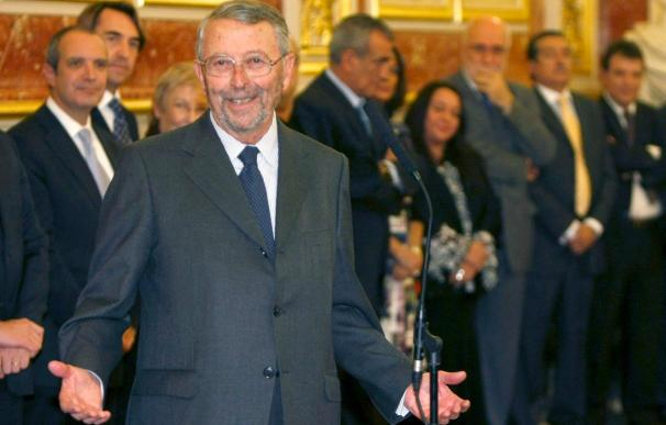 Oliart jura en el Congreso como miembro del Consejo de Administración de RTVE