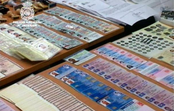 Cae una red que falsificaba documentos para traer a inmigrantes marroquíes