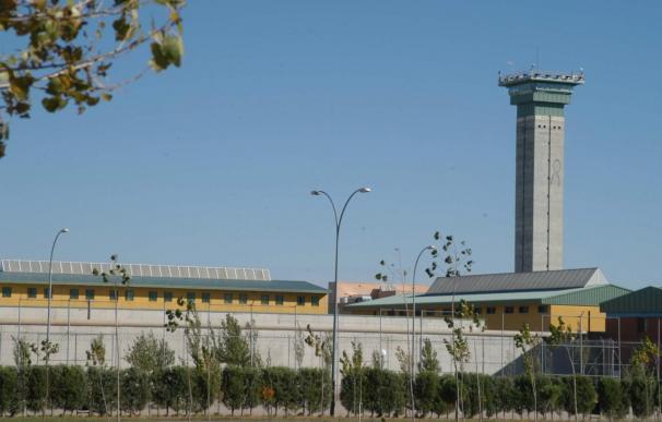 Muere un preso apuñalado en Salamanca e investigan si se debió a un ajuste de cuentas