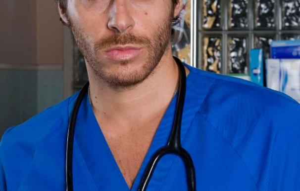 Daniel Lucena (José Mª J. Galeano) llega hoy a Hospital Central como un nuevo residente