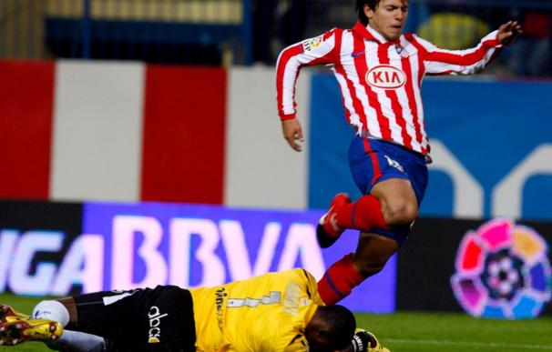 Memorable noche de Agüero y nueva lección de Messi