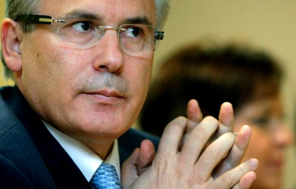 El juez Garzón fija una fianza de 51,4 millones de euros a la viuda y al abogado de Pinochet