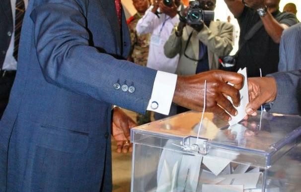 """Obiang revalida """"con mayoría aplastante"""" su tercer mandato de siete años"""