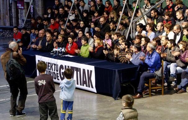 """Los familiares de los detenidos ayer dicen que es """"el mayor ataque"""" contra la juventud en 30 años"""