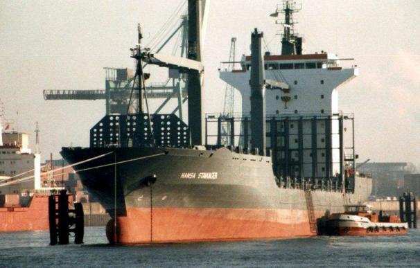 Piratas asaltan un petrolero alemán ante las costas de Benin y matan a un marino