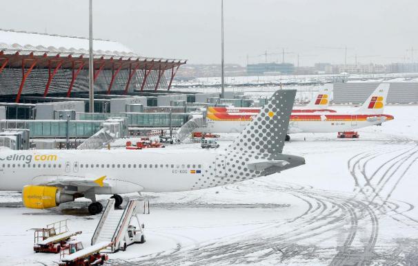 Aena contará con 80 vehículos para la retirada de nieve en los aeropuertos