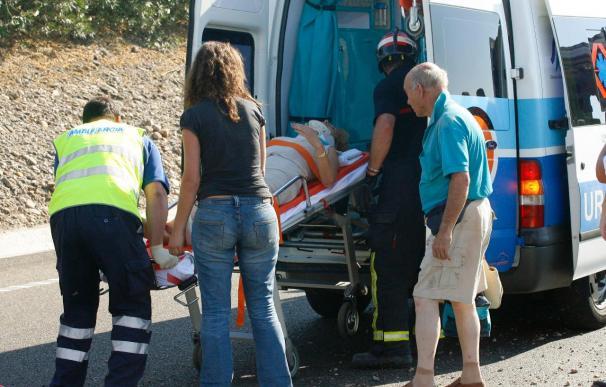 Un muerto y un herido en una colisión frontal entre dos turismos en Jaén