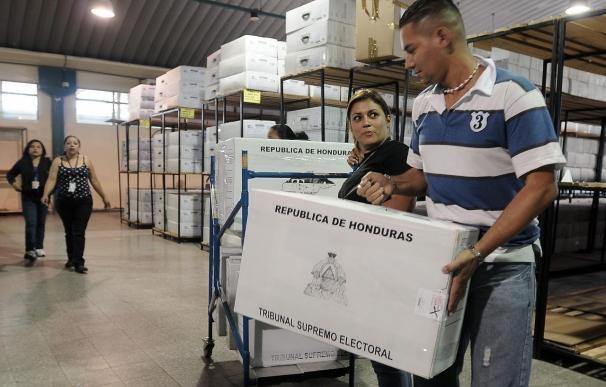 Abren los colegios electorales en Honduras en aparente calma
