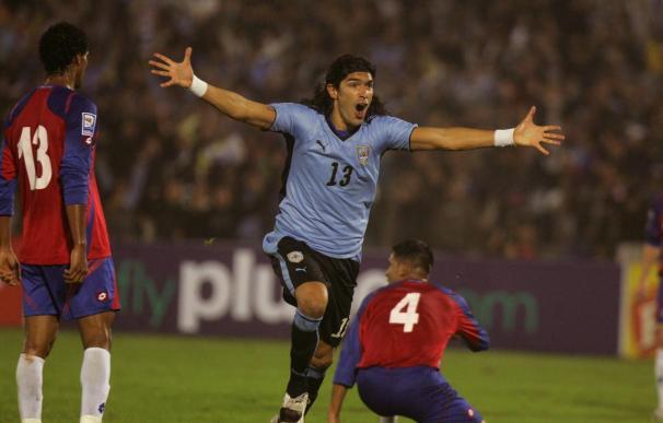 El goleador uruguayo Abreu recibe una importante oferta del Málaga español