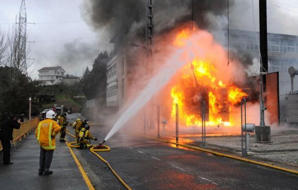 Un incendio destruye un transformador de la subestación de Velle en Ourense
