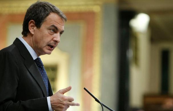 Zapatero se compromete a reducir el déficit público en el plazo fijado por la UE