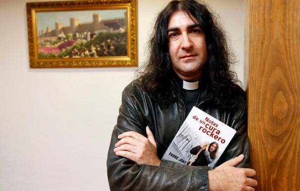 """El """"cura rockero"""" coincide con Rosendo en """"el inconformismo y la transgresión"""""""