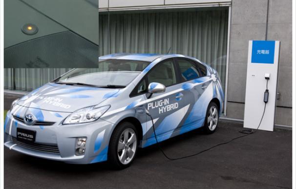 Toyota comercializará un Prius recargable mediante un enchufe doméstico