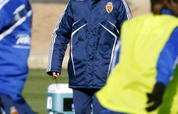 El entrenador del Zaragoza trabaja diferentes opciones para el partido contra el Real Madrid