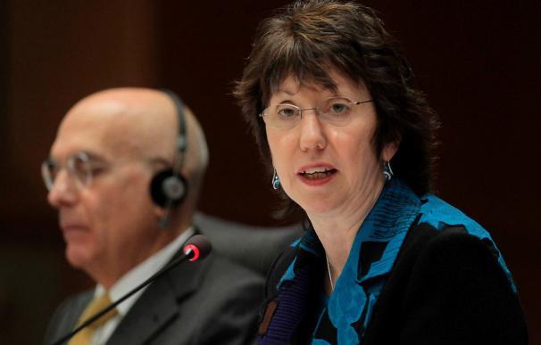 Ashton defiende en el Parlamento Europeo su preparación y apuesta por una UE con voz clara