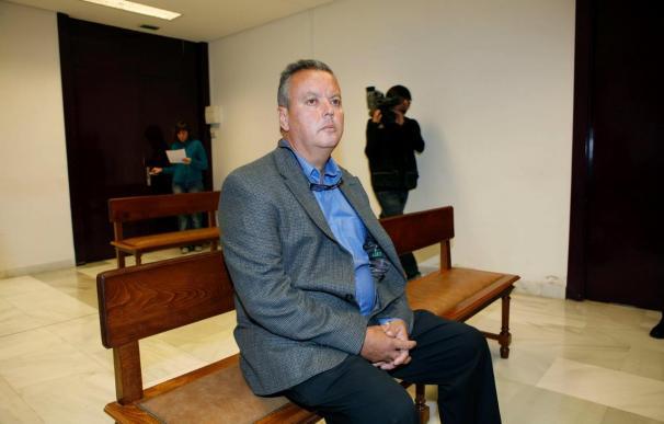 "Benavides niega que pretendiera injuriar a una socialista al emplear el término ""zorra"""