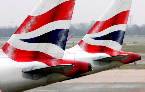 """British Airways evalúa """"todas las opciones"""" ante la huelga del personal de cabina"""