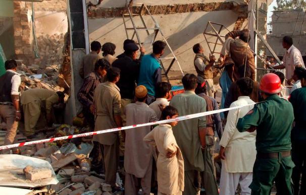 Veinte muertos y treinta heridos en una explosión en Pakistán