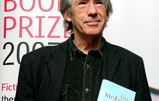Ian McEwan publicará en marzo su próxima novela, que se anuncia polémica