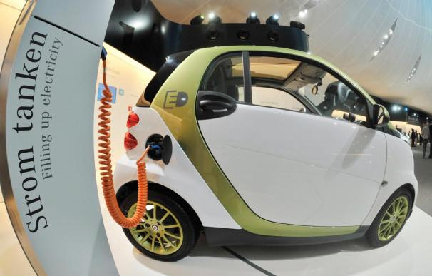 Smart produce en serie el fortwo eléctrico