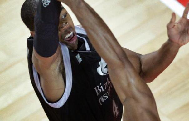 Lewis dice que la victoria en la ACB viene bien para el partido de Turquía