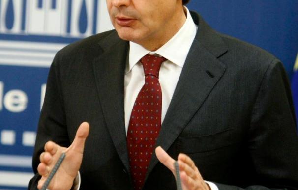 """Zapatero seguirá con su plan pese a que Rajoy le acuse de sufrir """"pataleta"""""""