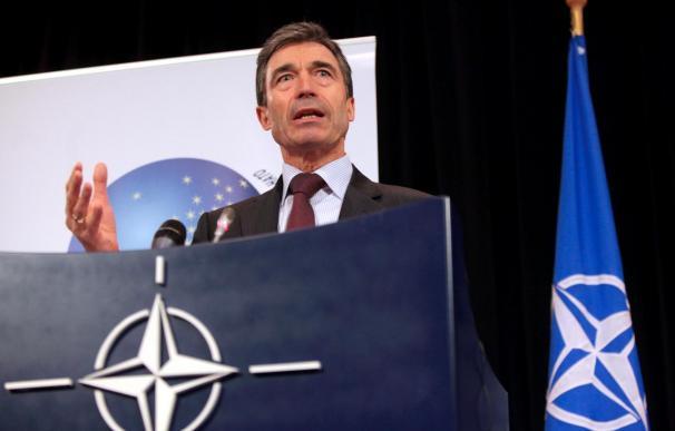 Rasmussen quiere impulsar la relación OTAN-Rusia en su primer viaje a Moscú