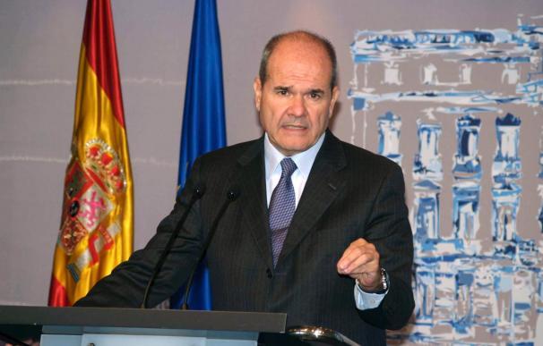 El Gobierno convocará a las CCAA que quieran para desarrollar las medidas anticrisis