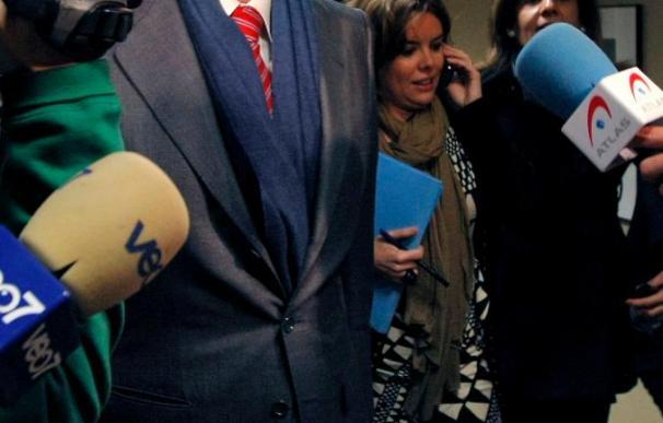 Rajoy insta a Zapatero a que se deje de pataletas y prepare mejor los pactos