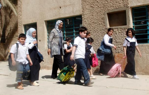 Mueren cuatro estudiantes por una explosión en un colegio en Bagdad