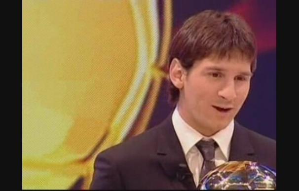 Messi recibe el Balón de Oro en París