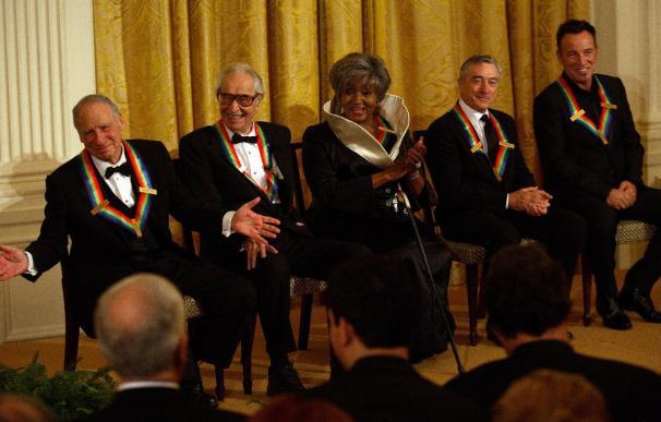 El Kennedy Center rinde tributo a estrellas del cine y de la música estadounidenses